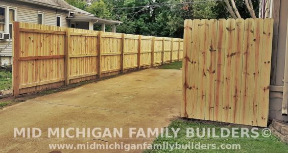 Mid Michigan Family Builders Fence Project 08 2020 02 03