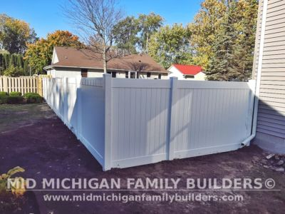 Mid Michigan Family Builders Vinyl Fence Project 10 2020 01 02