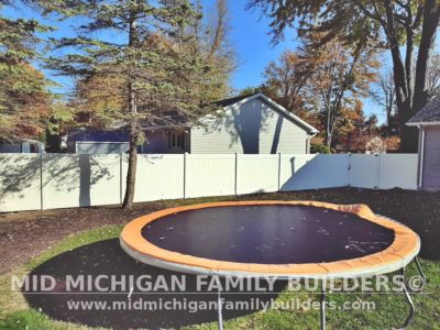 Mid Michigan Family Builders Vinyl Fence Project 10 2020 01 04