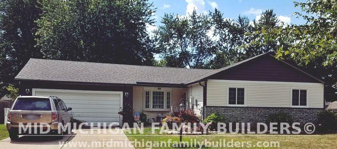 Mid Michigan Family Builders Vinyl Siding Project 08 2019 03
