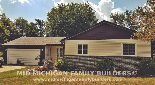 Mid Michigan Family Builders Vinyl Siding Project 08 2019 04